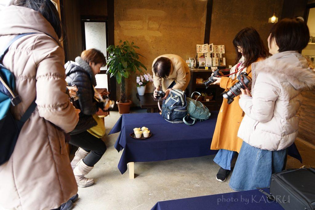 寺嘉 焼き芋アイス カメラ女子